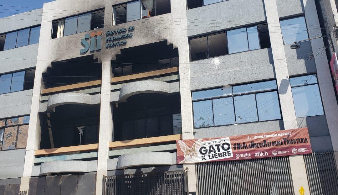 Asociaciones de funcionarios de Impuestos Internos realizan visita conjunta a Regional Antofagasta tras devastador incendio en las instalaciones
