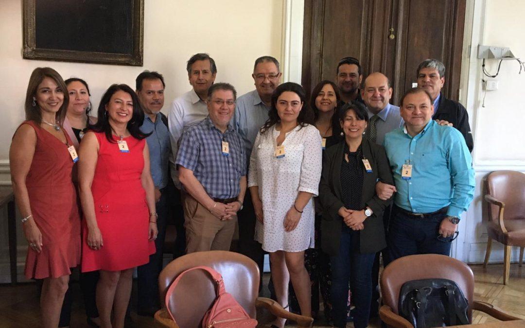 Representantes del Frente de Trabajadores de Hacienda sostienen reunión con Senador Francisco Huenchumilla