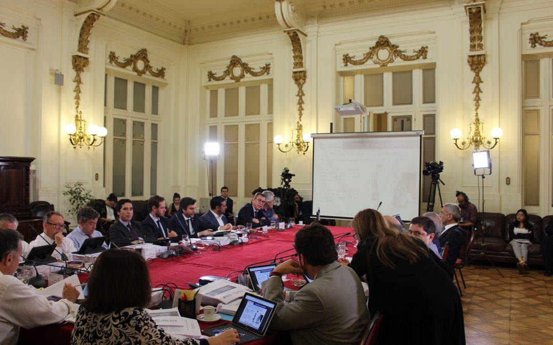 Asociaciones de funcionarios del SII realizan exposición conjunta en la Comisión de Hacienda del Senado
